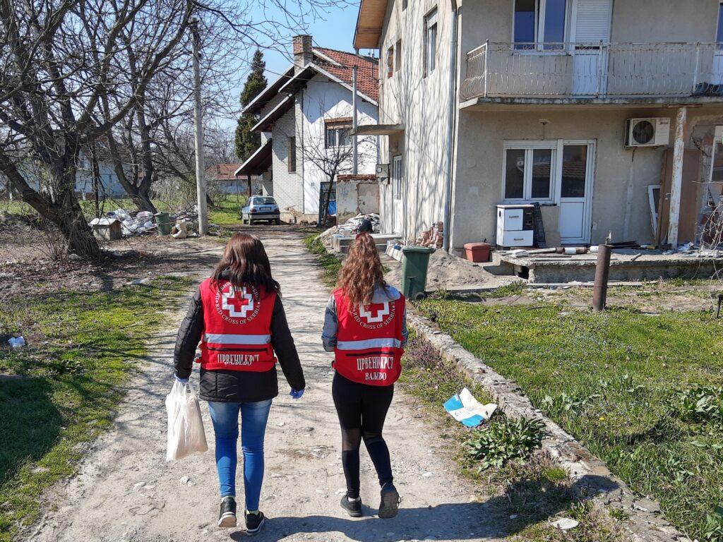 Ваљевци за понос:Црвени крст и Медицинска школа формирали волонтерске групе